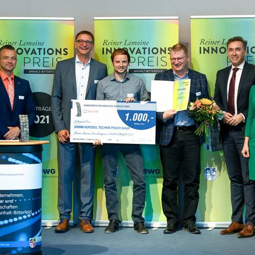 Die Preisträgerin des Sonderpreises  der Mercateo Services GmbH ist die Grimm Aerosol Technik Pouch GmbH © EWG Anhalt-Bitterfeld GmbH (Urheber Heiko Rebsch)